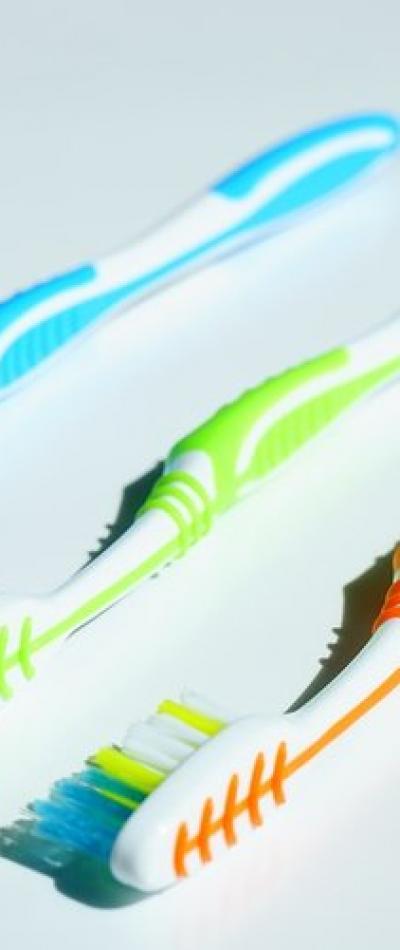 Toothbrushes | Sari Novack Dentistry